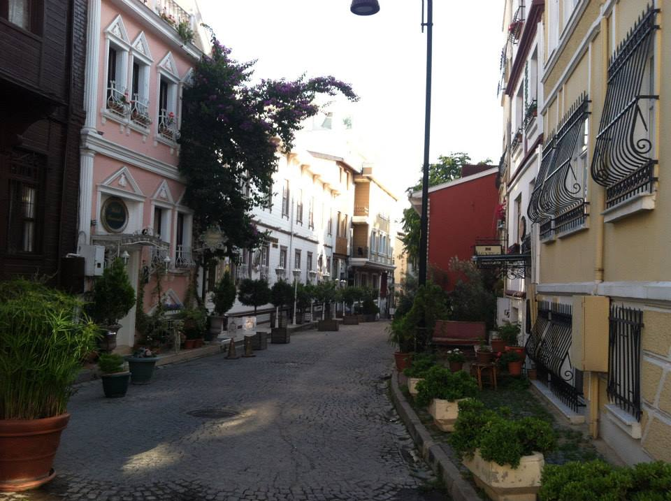 How to Stay In Shape When You Travel: Side street in Istanbul-Breezing Through Blog