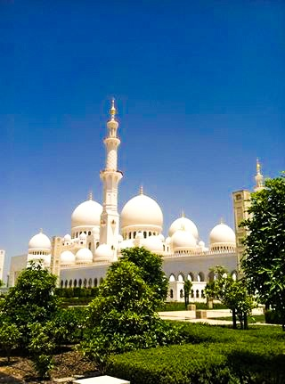 UAE: The Sheikh Zayed Grand Mosque in Abu Dhabi-Breezing Through