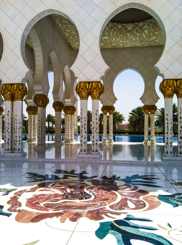 UAE: The Sheikh Zayed Grand Mosque in Abu Dhabi-Breezing Through