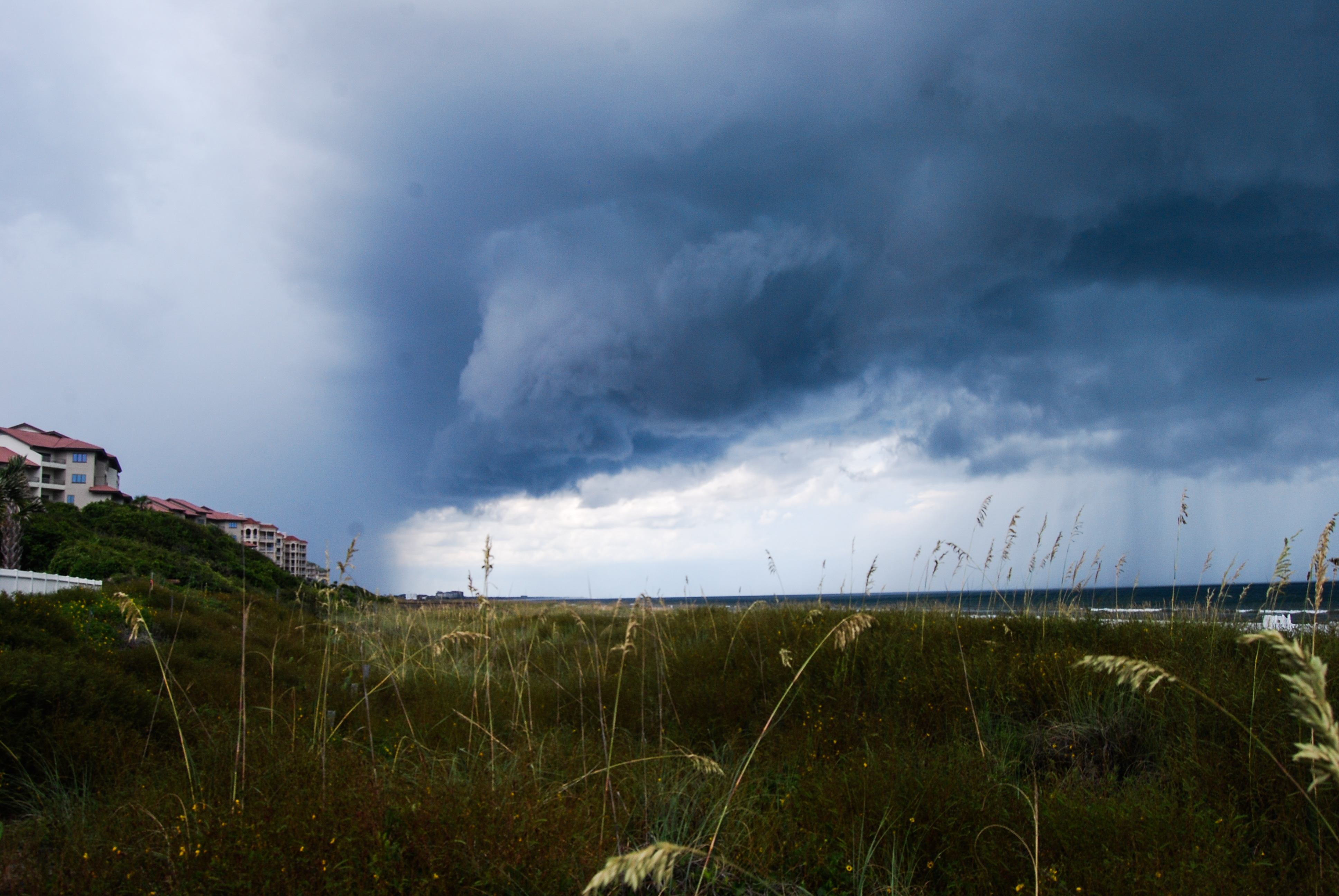 Florida: Thunderstorm- Breezing Through
