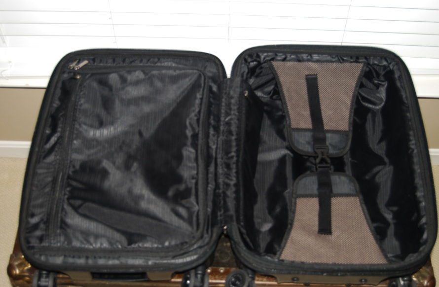 The Best Carry On Suit Case- Breezing Through