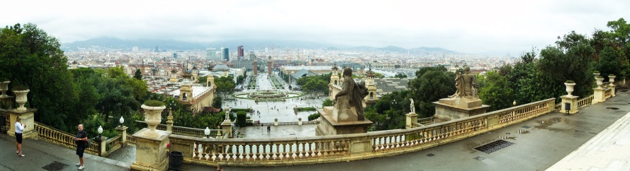 Barcelona In A Day + A Giveaway | Breezing Through